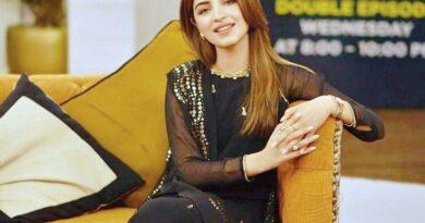 Kinza Hashmi Wiki, Age, Husband, Height, Family, Drama List, Biography